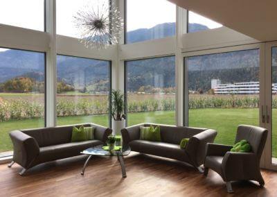 Modernes Wohnen - Olivenholz Parkett V12 der Allrounder Venato extra