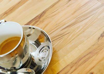 Olivenholz Parkett Mit Tasse Kaffee
