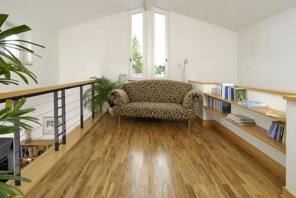 Wohnen und Leben mit Olivenholz Parkett