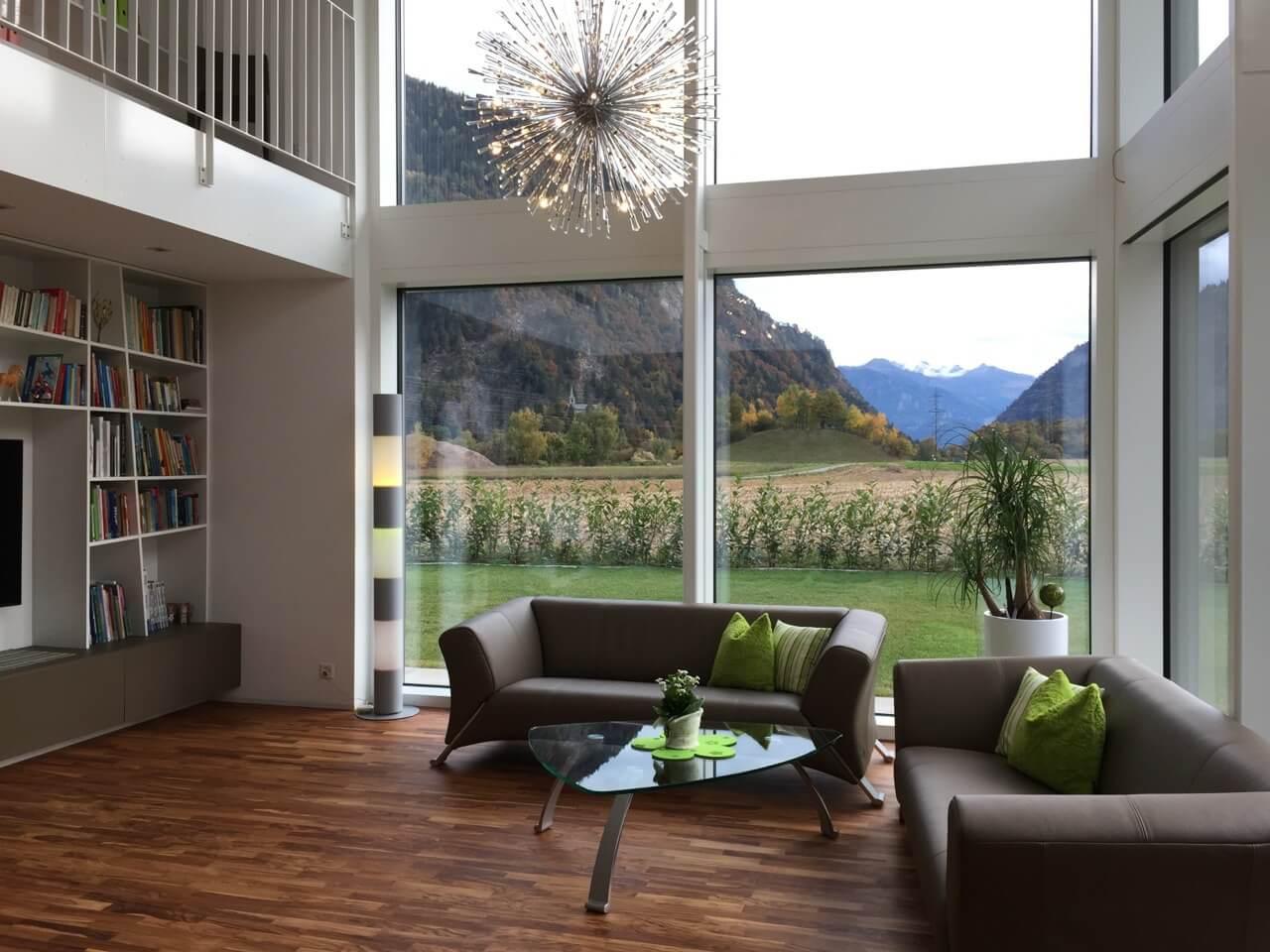 Mediterranes Wohnen In Graubünden Mit Olivenholz Parket